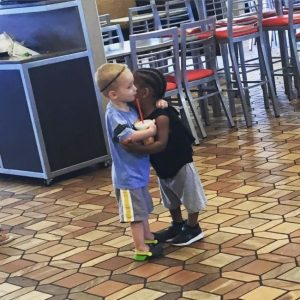 Heartwarming pictures showing humanity